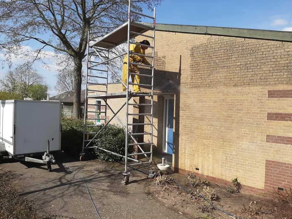 Gevelreiniging - Schildersbedrijf Leeuw & Bouwhuis Vroomshoop