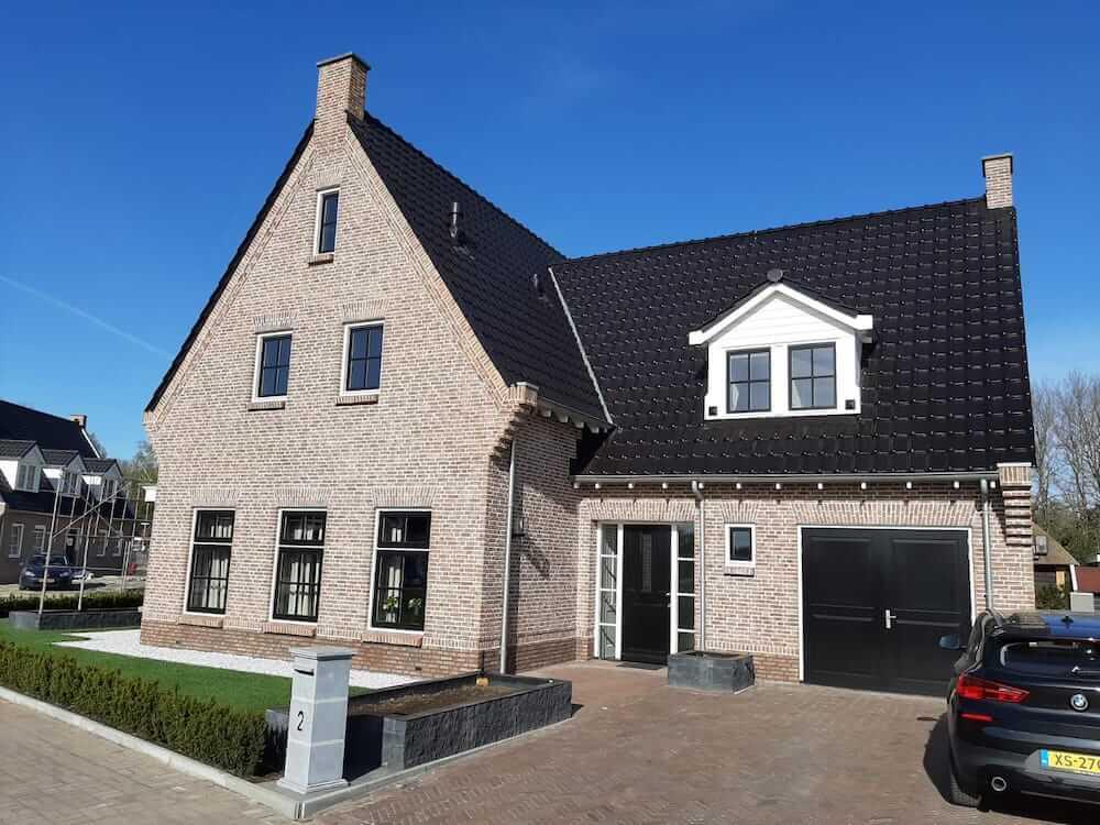 Schilderwerk huis groot - Schildersbedrijf Leeuw & Bouwhuis Vroomshoop