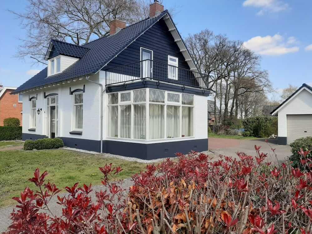 Schilderwerk vrijstaand huis - Schildersbedrijf Leeuw & Bouwhuis Vroomshoop