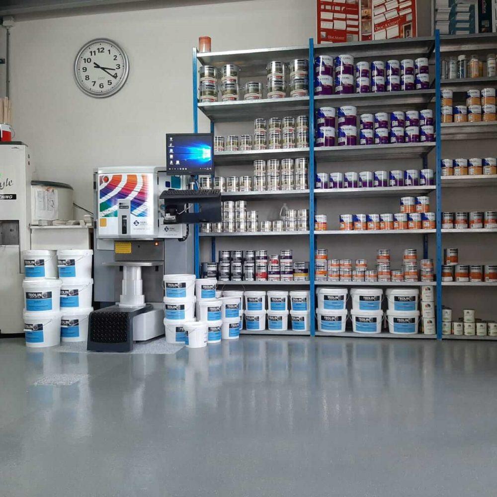 Verf mengmachine Vroomshoop - Schildersbedrijf Leeuw & Bouwhuis